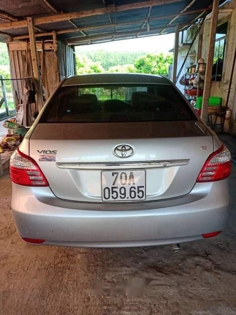 Bán ô tô Toyota Vios 2010, màu bạc, nhập khẩu nguyên chiếc, nước sơn zin-0