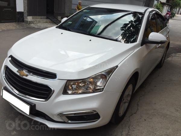 Cần bán xe Chevrolet Cruze 2016, số sàn, màu trắng, xe cọp, nhà trùm mền rất ít sử dụng-1