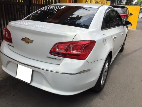 Cần bán xe Chevrolet Cruze 2016, số sàn, màu trắng, xe cọp, nhà trùm mền rất ít sử dụng-2