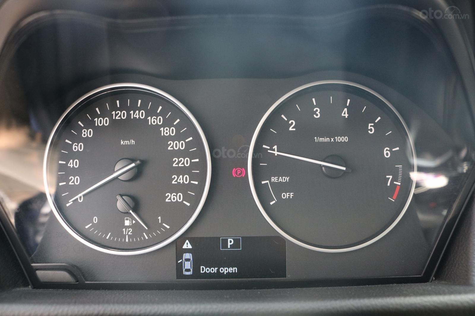 Bán BMW 218i Active Tourer 2015, đã đi 35000km, xe chính chủ (8)