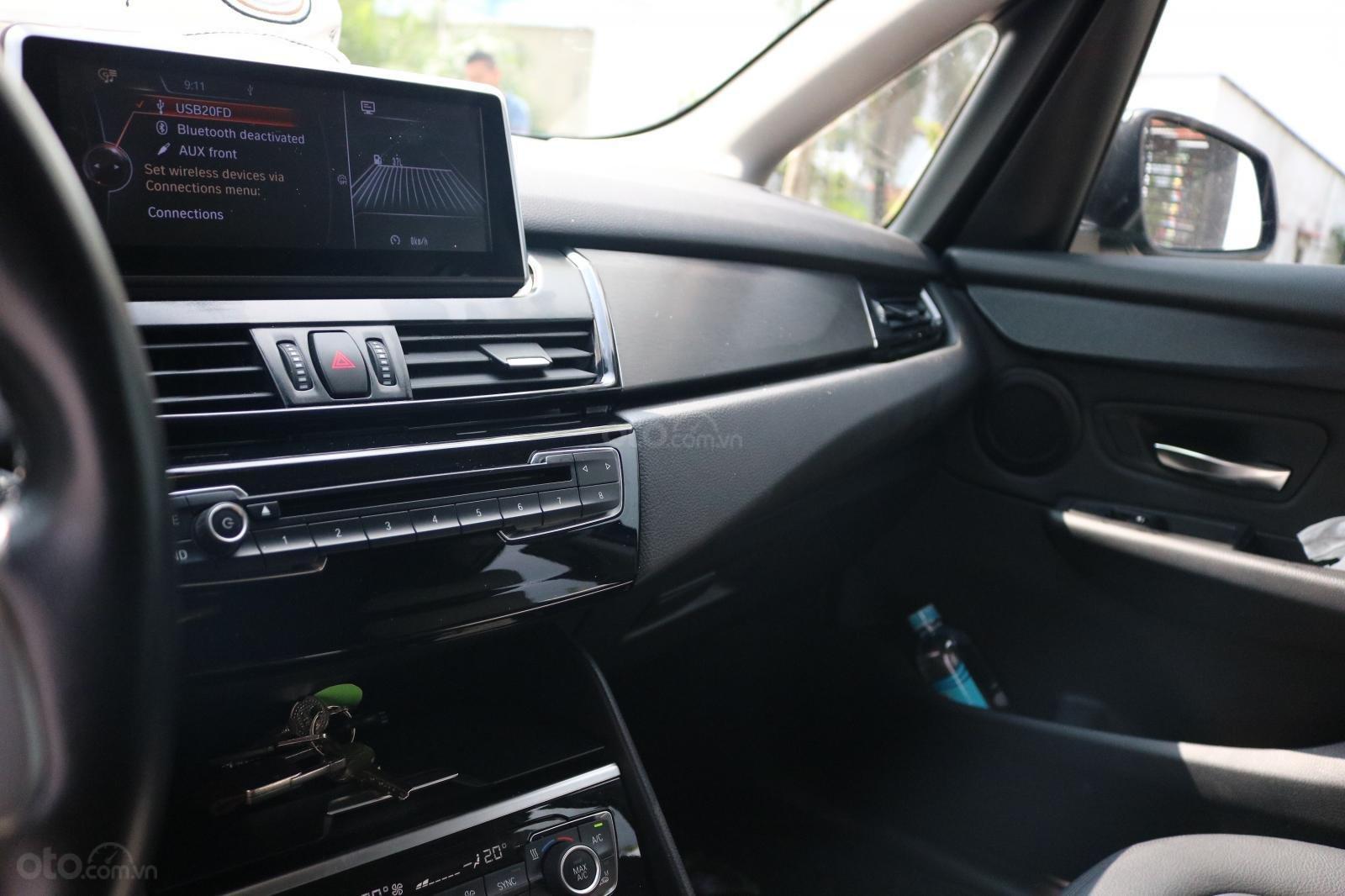 Bán BMW 218i Active Tourer 2015, đã đi 35000km, xe chính chủ (7)