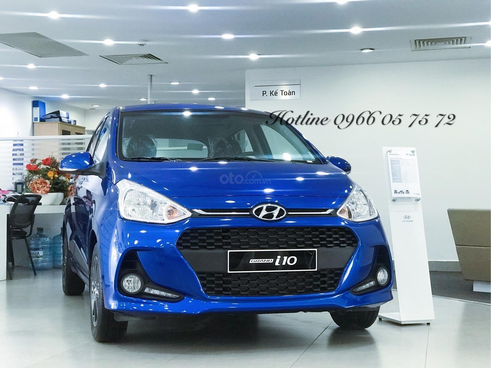 Bán Hyundai i10 1.2 số tự động, màu xanh cực hot - xe giao sớm - nhiều ưu đãi cực hot-0