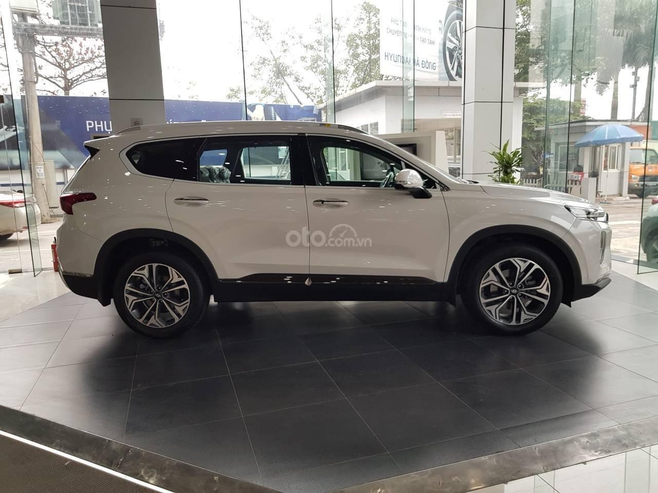Bán Hyundai Santa Fe 2019, giao xe ngay, khuyến mại cực cao, liên hệ ngay 0981476777 để ép giá và nhận ưu đãi-3