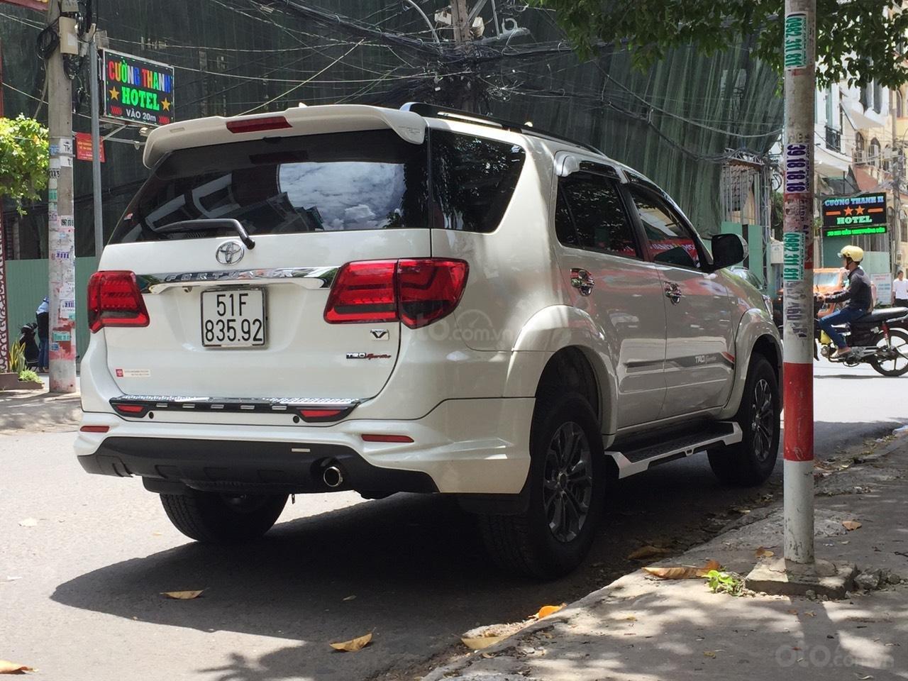 Đi nước ngoài cần bán xe gấp Toyota Fortuner G năm sản xuất 2016, màu trắng-2
