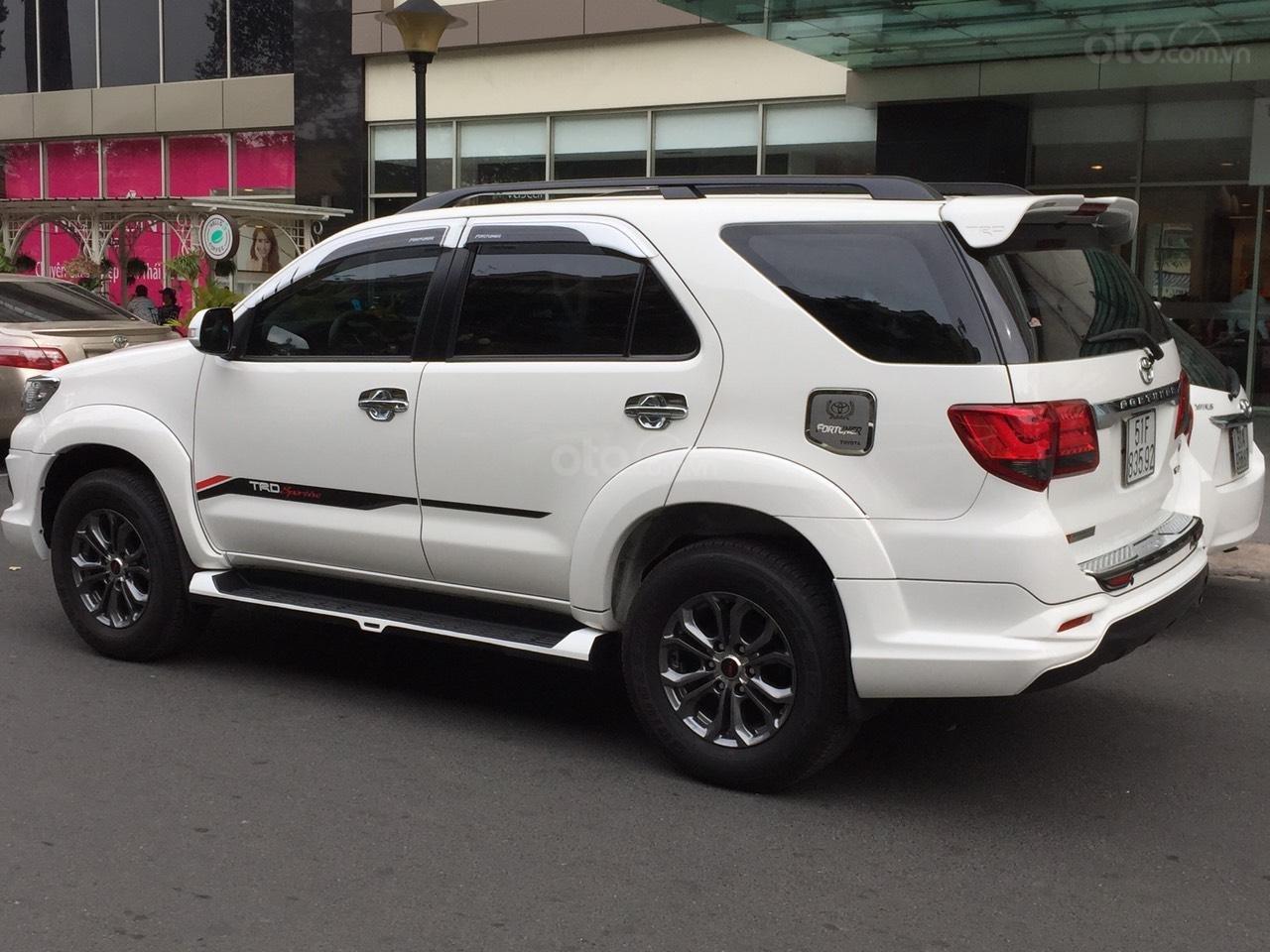 Đi nước ngoài cần bán xe gấp Toyota Fortuner G năm sản xuất 2016, màu trắng-3