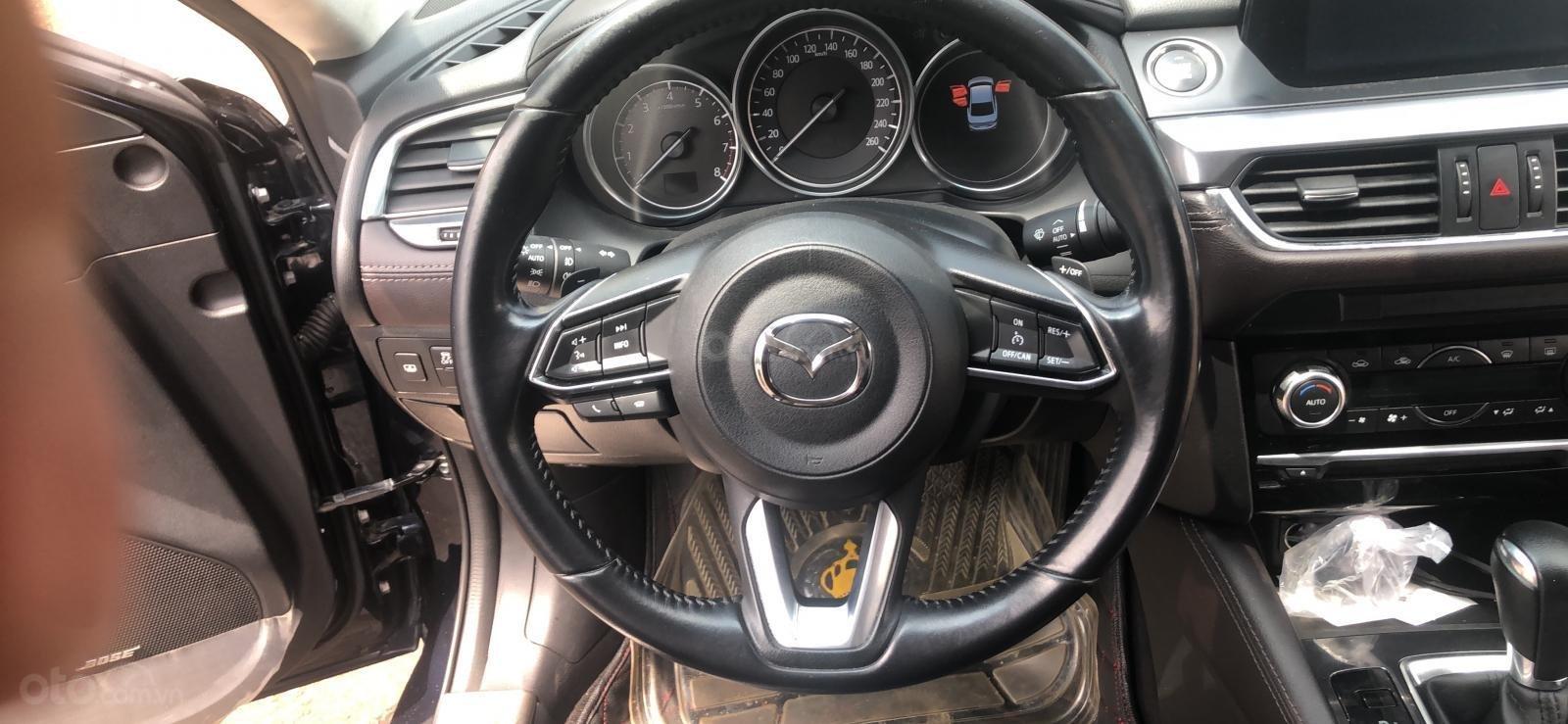 Bán xe Mazda 6 2.0 2017 Premium xanh đen, đi 11K km-2