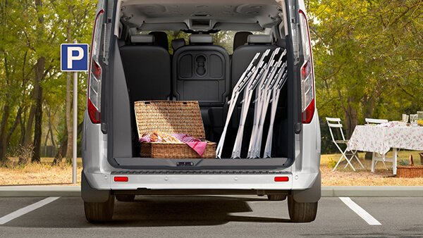 So sanh xe Peugeot Traveller 2019 va Ford Tourneo 2019 Dai chien MPV tan binh
