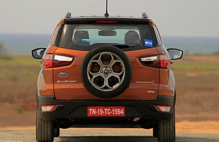So sánh xe Hyundai Venue 2020 và Ford EcoSport 2019 - đuôi xe 2