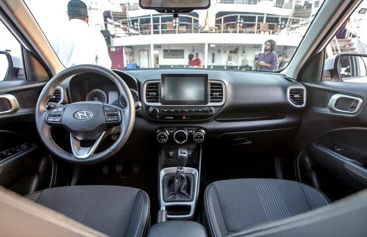 So sánh xe Hyundai Venue 2020 và Ford EcoSport 2019 - bảng táp-lô 1