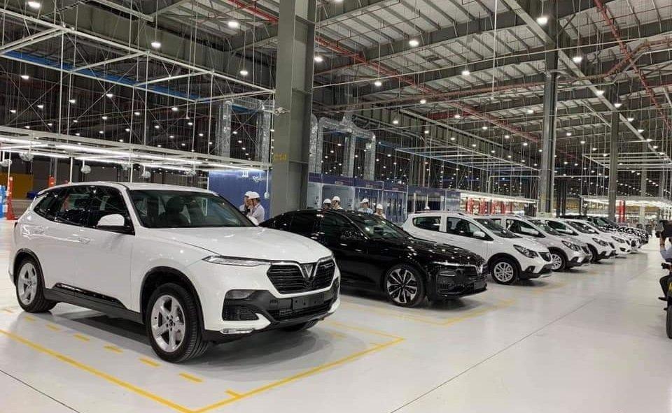 Xe VinFast xuất xưởng hàng loạt trong khuôn viên nhà máy ...