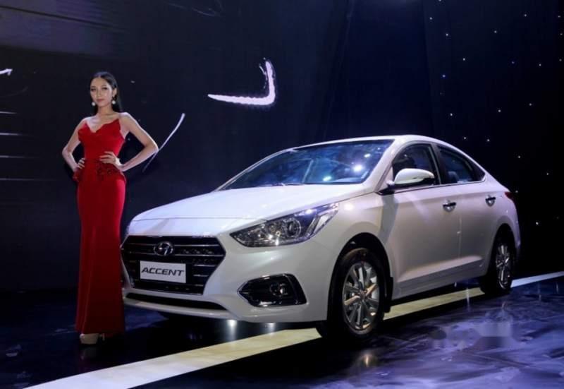 Cần bán xe Hyundai Accent MT 2019, nhập khẩu (2)