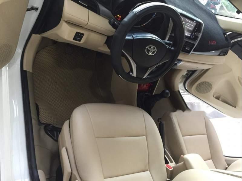 Bán Toyota Vios E năm sản xuất 2017, màu trắng như mới-2