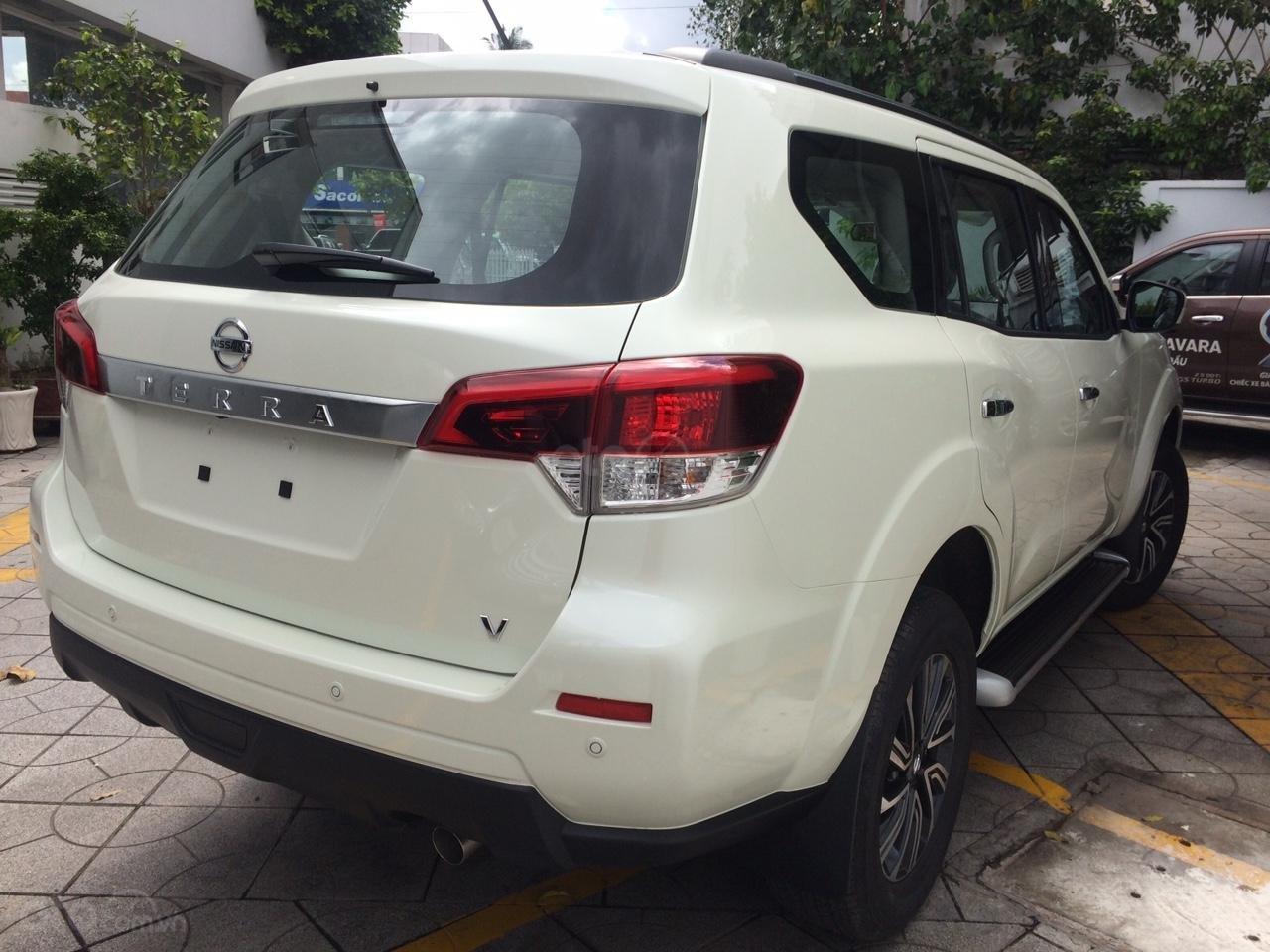 Cần bán Nissan Terra V 2.5 AT 4 WD sản xuất 2019, CTKM hấp dẫn, giao xe ngày, LH 0938466812-2