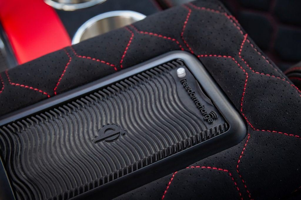 Ngắm chiếc Land Rover Defender mang sức mạnh Mỹ, nội thất đẳng cấp như siêu xe a15