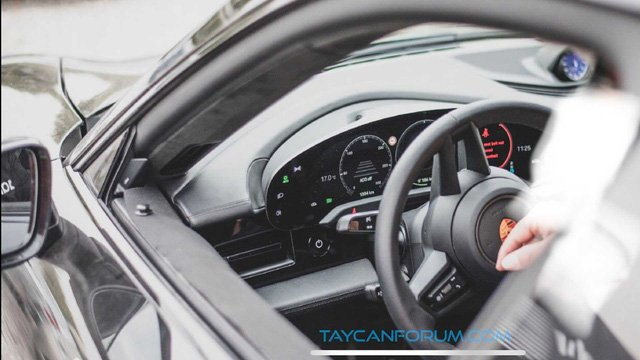 Xe thuần điện Porsche Taycan 2020 hé lộ hình ảnh nội thất a4