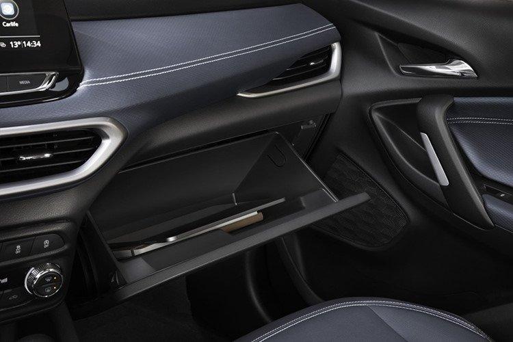 Chevrolet Tracker 2019 ra mắt thị trường Trung Quốc với giá 346 triệu a10