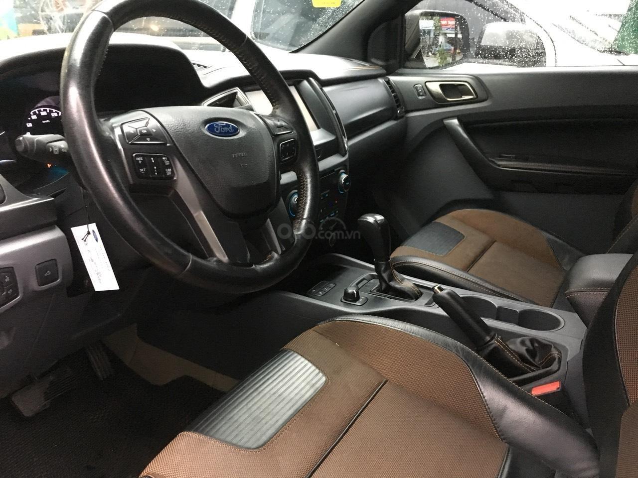 Cần bán xe Ford Ranger Wildtrak 3.2 màu trắng, đời 2016-4