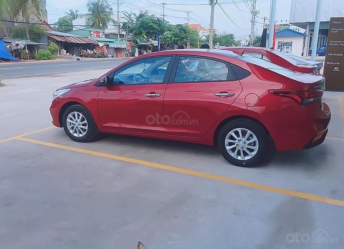 Cần bán xe Hyundai Accent 1.4 MT đời 2019, màu đỏ-1