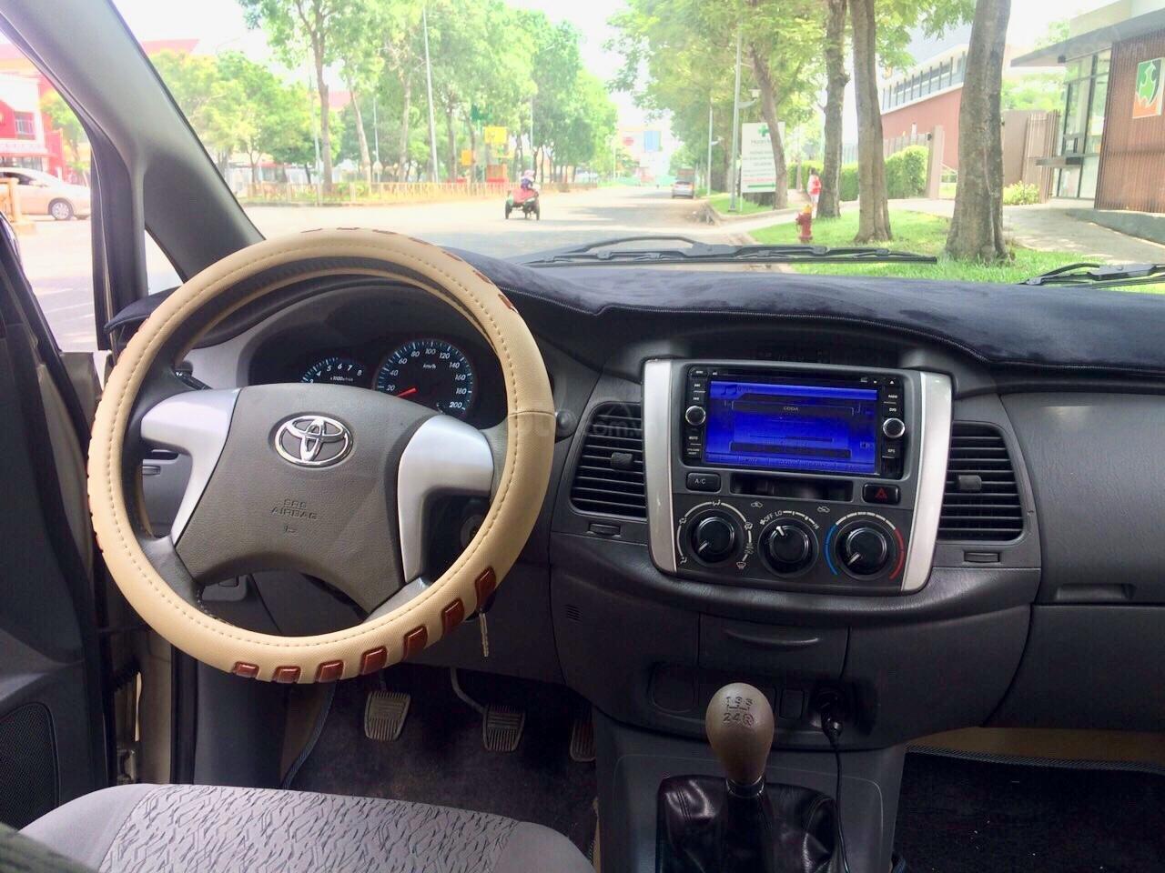 Cần bán Toyota Innova 2012, xe gia đình sử dụng còn Zin 90%-3