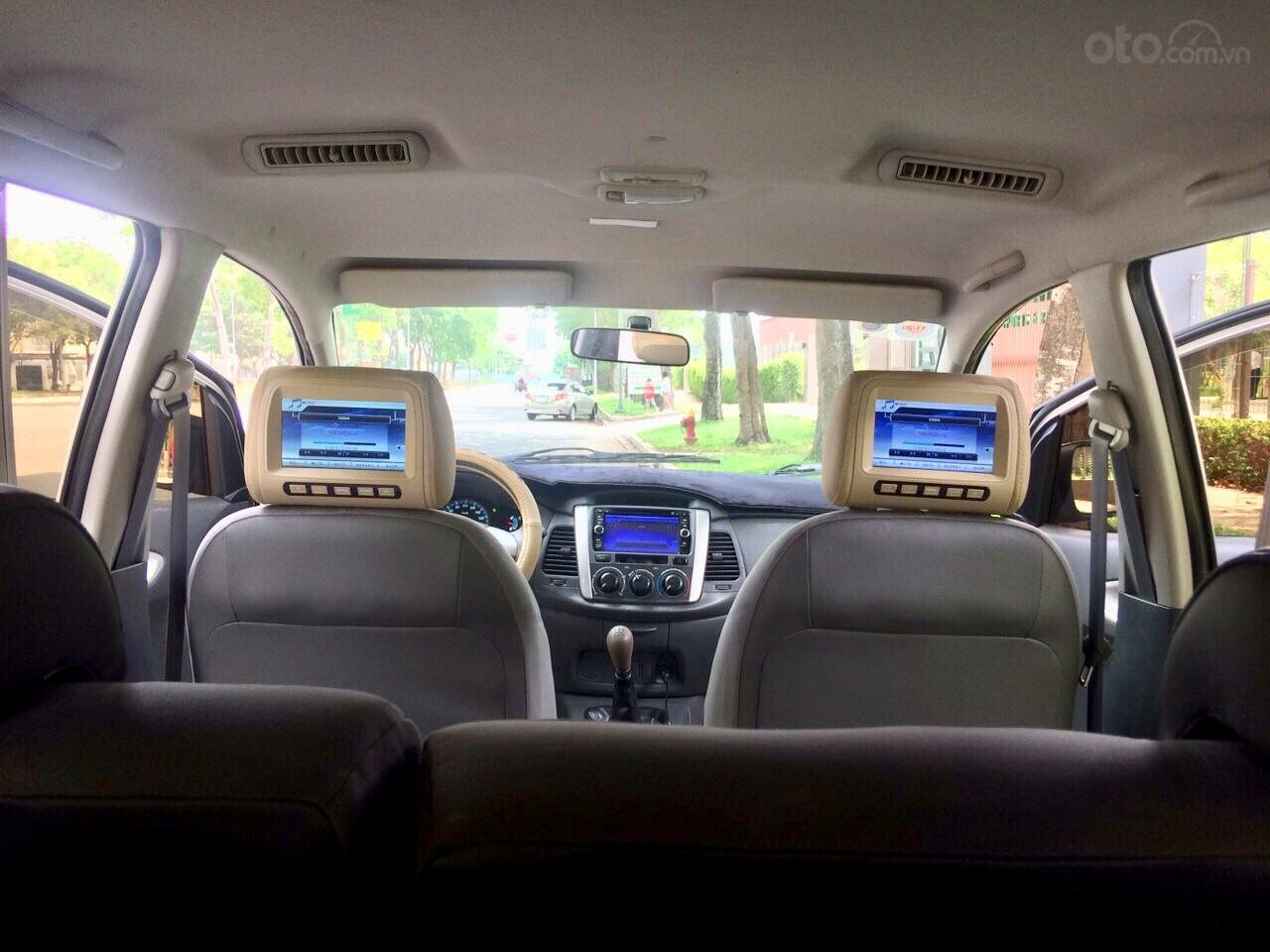 Cần bán Toyota Innova 2012, xe gia đình sử dụng còn Zin 90%-7