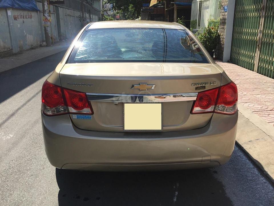 Bán Chevrolet Cruze LS 2011 số sàn ,màu vàng cát, gia đình chính chủ-7
