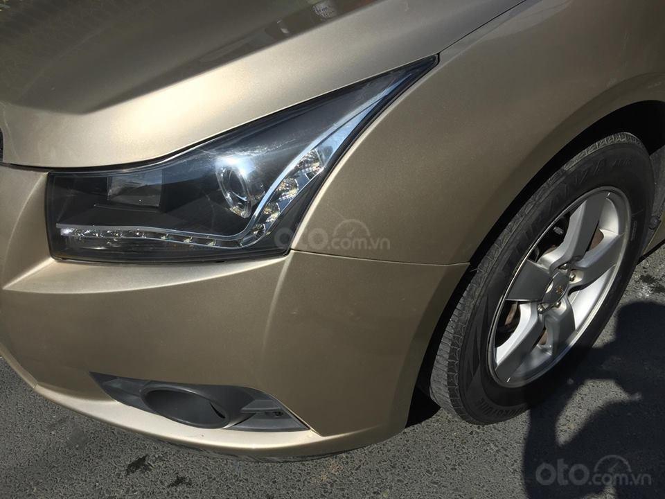 Bán Chevrolet Cruze LS 2011 số sàn ,màu vàng cát, gia đình chính chủ-3