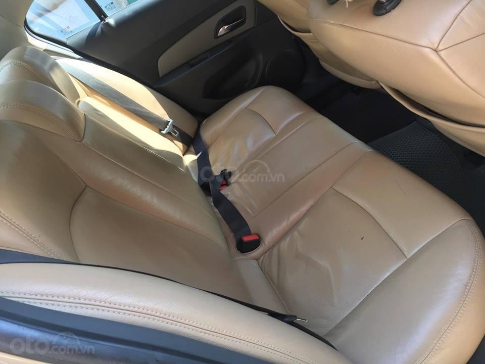 Bán Chevrolet Cruze LS 2011 số sàn ,màu vàng cát, gia đình chính chủ-6