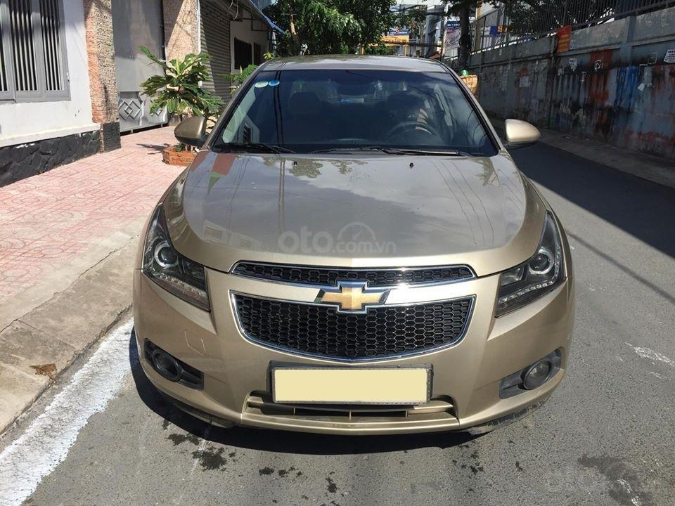 Bán Chevrolet Cruze LS 2011 số sàn ,màu vàng cát, gia đình chính chủ-8