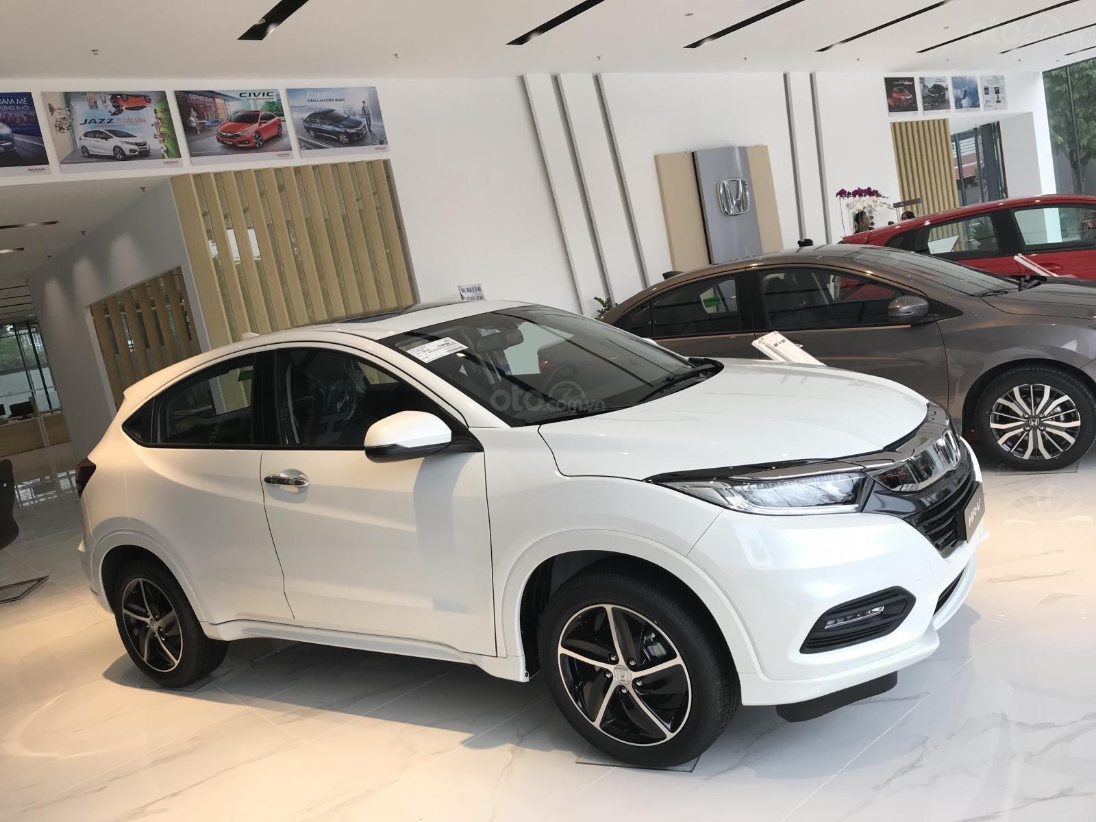 Bán Honda HR-V 2019, đủ màu nhập khẩu giá cạnh tranh chỉ từ 786tr - Thanh toán 225tr lấy xe về nhà, LH 0933.683.056-5