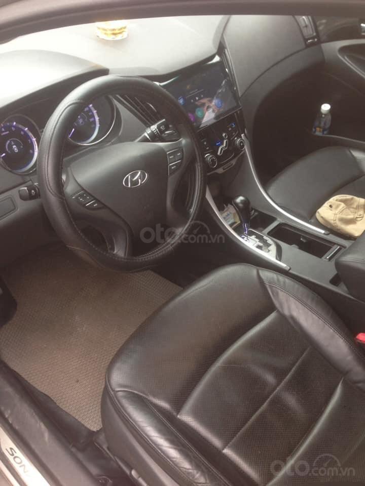 Bán gấp Hyundai Sonata 2010, tự động, 535 triệu-3