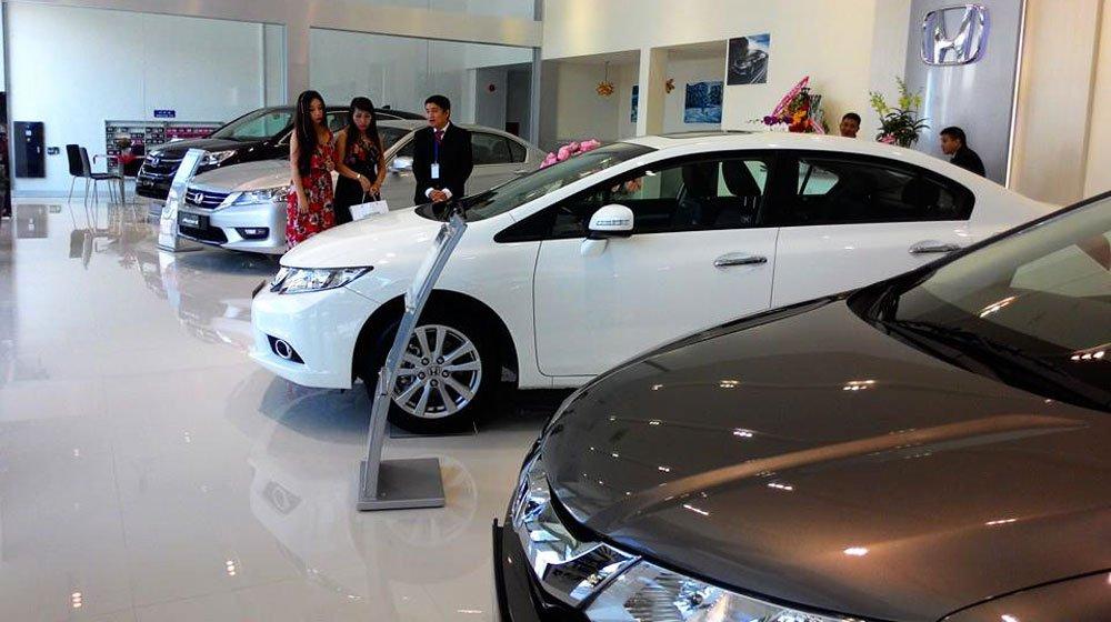 Người Việt mua ô tô giảm mạnh trong tháng 4 năm 2019 a1