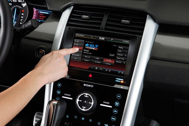 Ô tô nhiều công nghệ: Hiện đại… hại điện! a1