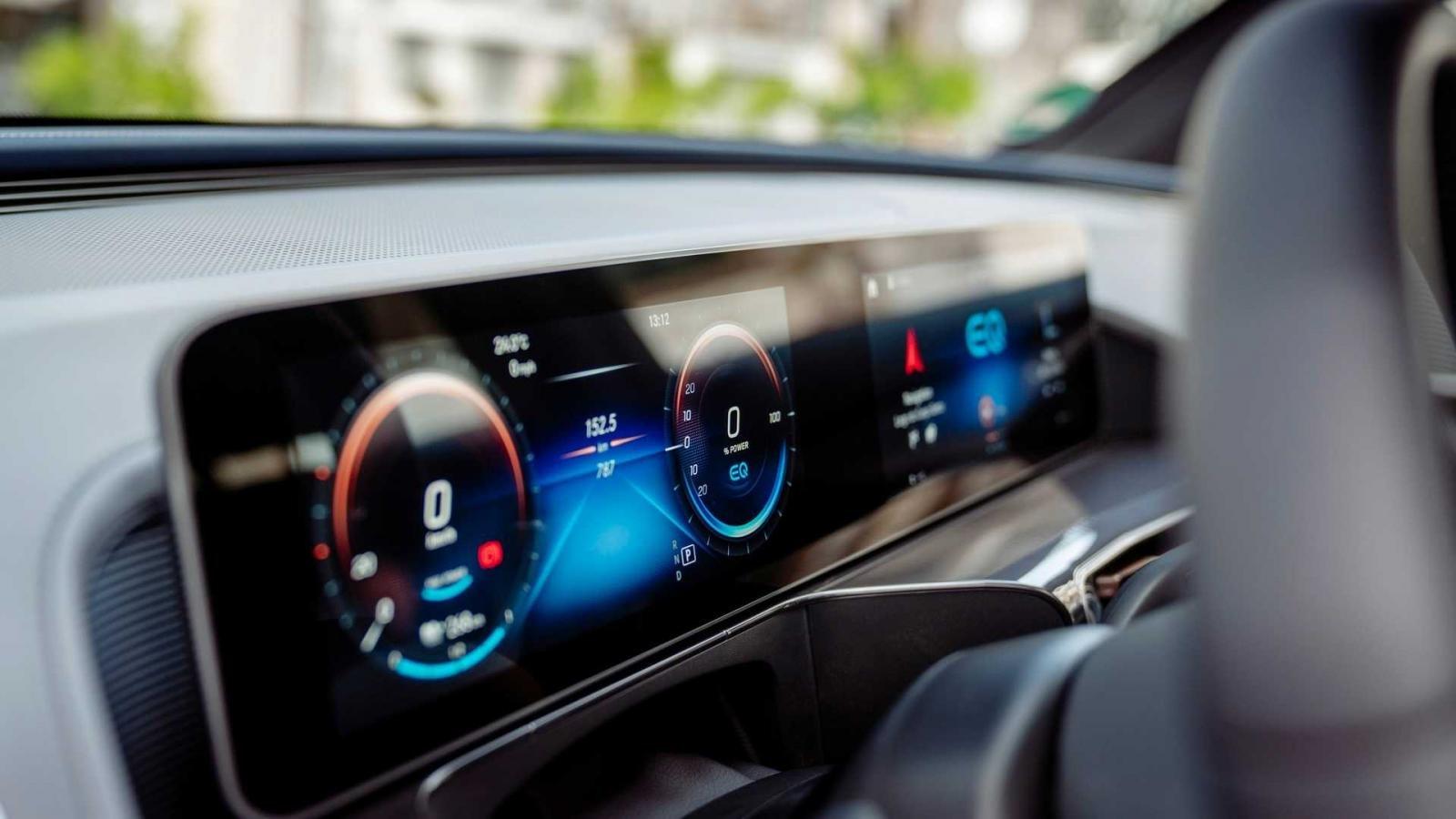 Sự xuất hiện hàng loạt và quá đỗi hiện đại của công nghệ ô tô đôi khi mang lại phiền phức cho người dùng a1