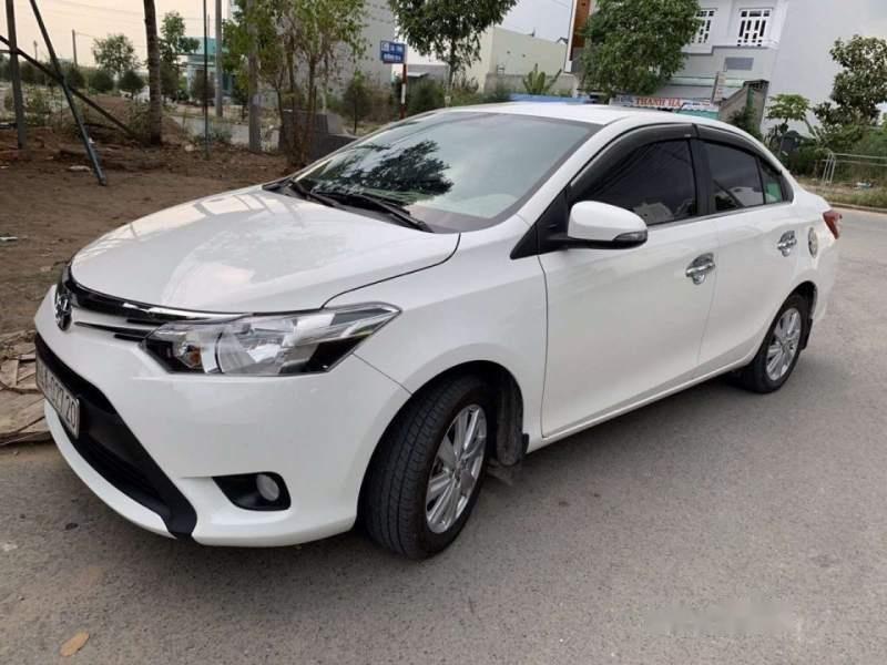 Cần bán gấp Toyota Vios E đời 2017, màu trắng, nhập khẩu xe gia đình-0