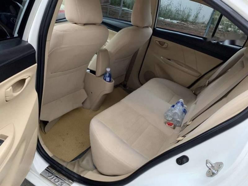 Cần bán gấp Toyota Vios E đời 2017, màu trắng, nhập khẩu xe gia đình-2