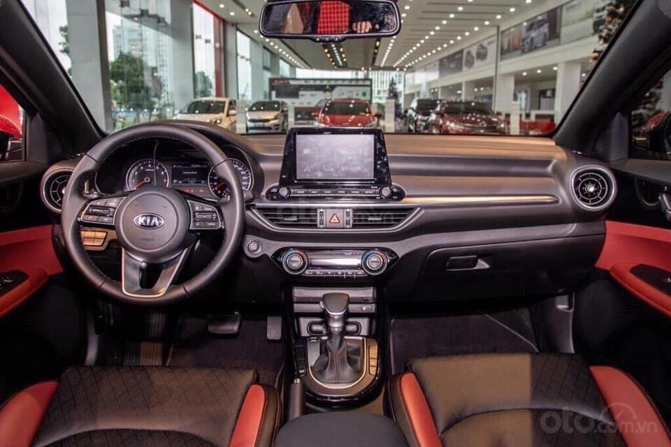 Kia Cerato 2019 giảm ngay tiền mặt, tặng gói bảo dưỡng 20.000km, hỗ trợ 85%, xe có sẵn giao ngay-4