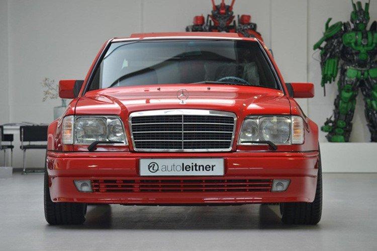 Soi Mercedes E60 AMG 500E 1995 cực hiếm có giá 396 triệu đồng a3