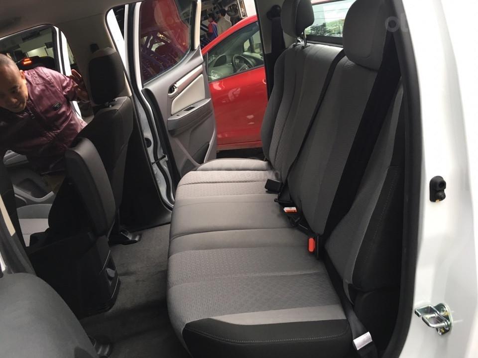 Xe bán tải Chevrolet Colorado MY19, xe nhập, giao ngay, ưu đãi sốc tháng 5-4