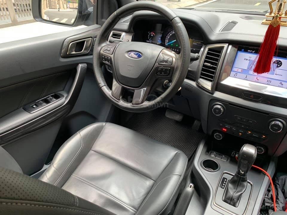Bán ô tô Ford Everest Titanium 2.2L năm sản xuất 2016, màu vàng, nhập khẩu-3