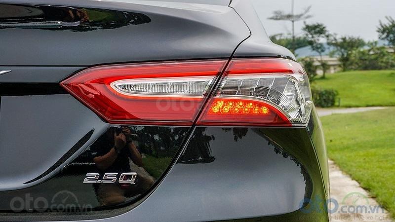 Đèn hậu Toyota Camry 2.5Q 2019...