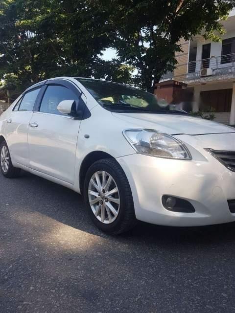 Bán gấp Toyota Vios E năm sản xuất 2009, màu trắng, nhập khẩu -0