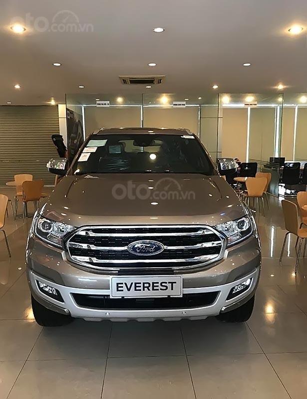 Bán Ford Everest sản xuất năm 2019, động cơ Biturbo đi kèm hộp số 10 cấp hoàn toàn mới, hệ thống dẫn động tuỳ chọn 4x4-1