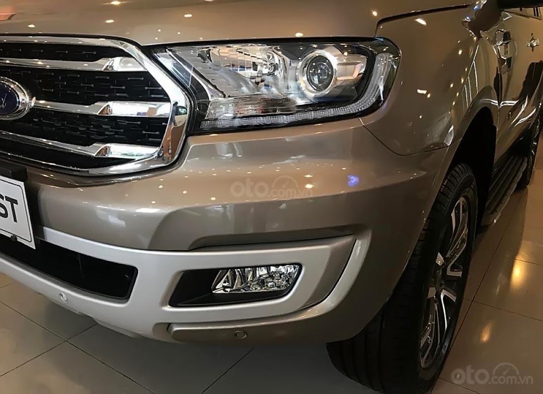 Bán Ford Everest sản xuất năm 2019, động cơ Biturbo đi kèm hộp số 10 cấp hoàn toàn mới, hệ thống dẫn động tuỳ chọn 4x4 (4)