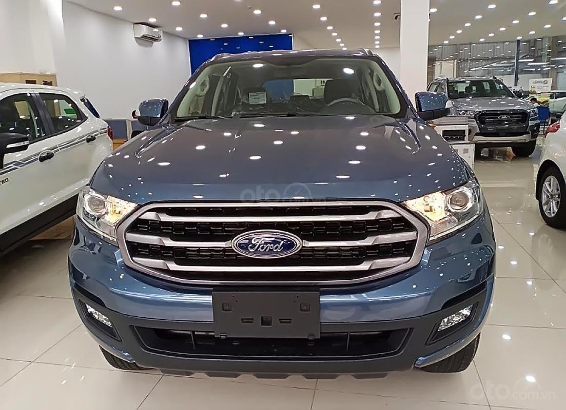 Bán Ford Everest Ambiente 2.0 4x2 MT sản xuất năm 2019, màu xanh lam, mới 100%-4