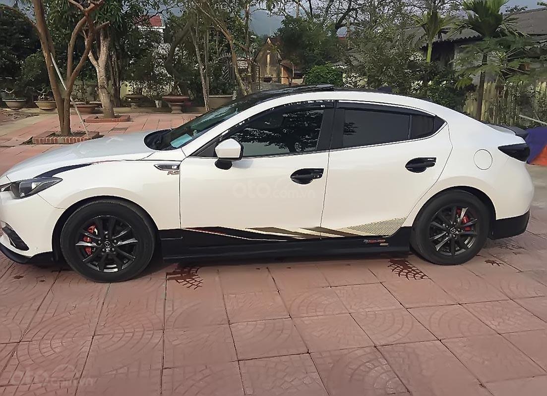 Cần bán Mazda 3 đời 2016, màu trắng chính chủ, giá tốt-1