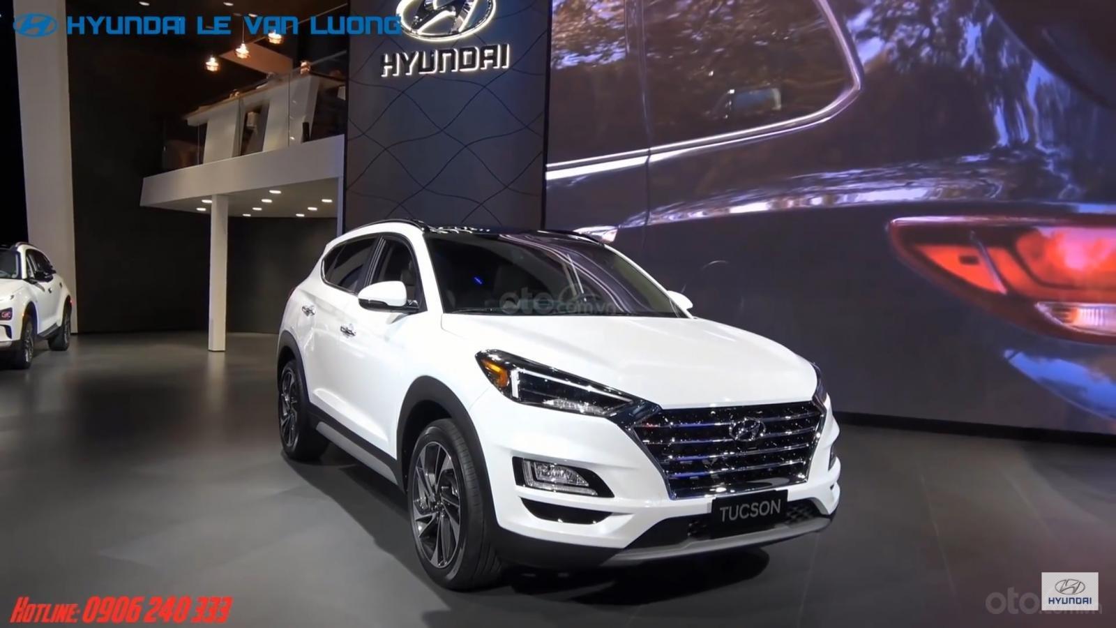 Bán Hyundai Tucson Facelift đời 2019, màu trắng-1