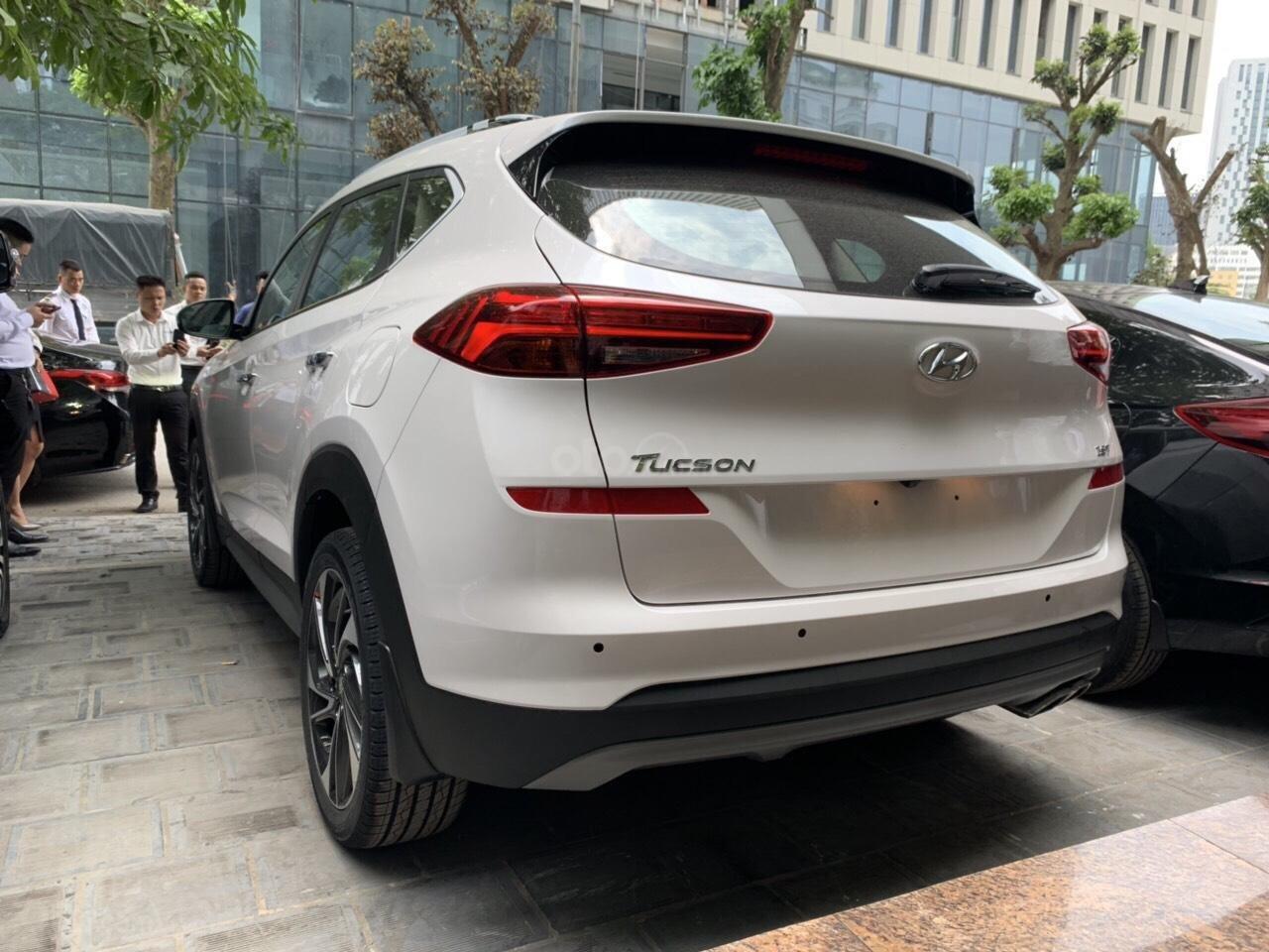 Bán Hyundai Tucson Facelift đời 2019, màu trắng-3