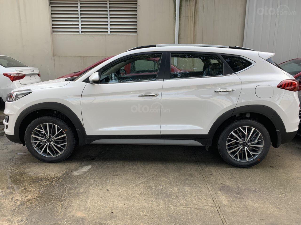 Bán Hyundai Tucson Facelift đời 2019, màu trắng-7