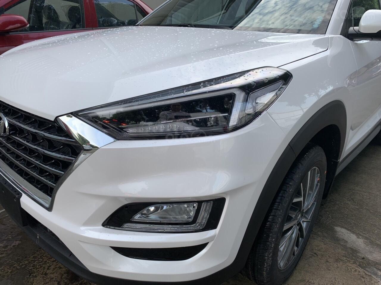 Bán Hyundai Tucson Facelift đời 2019, màu trắng-11