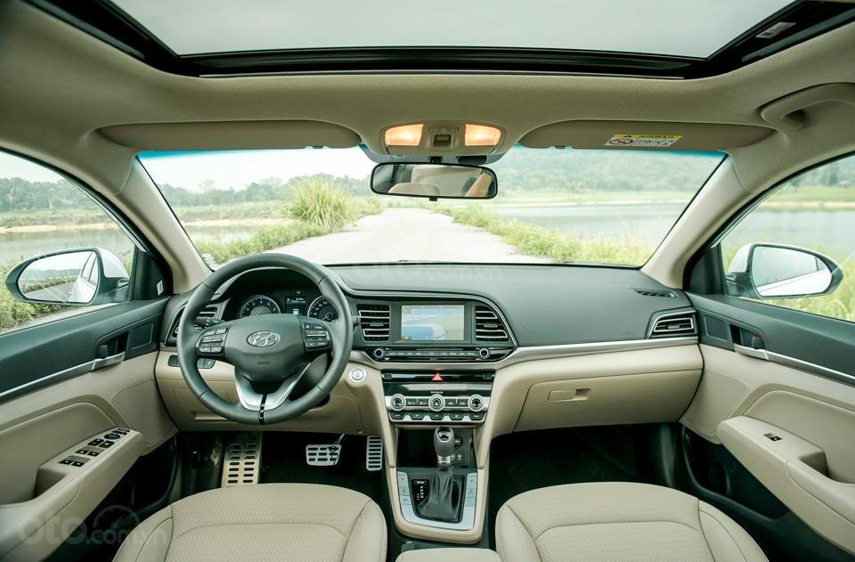 Hyundai Đà Nẵng bán Hyundai Elantra đời 2019 facelift, màu trắng, nhập khẩu CKD (4)